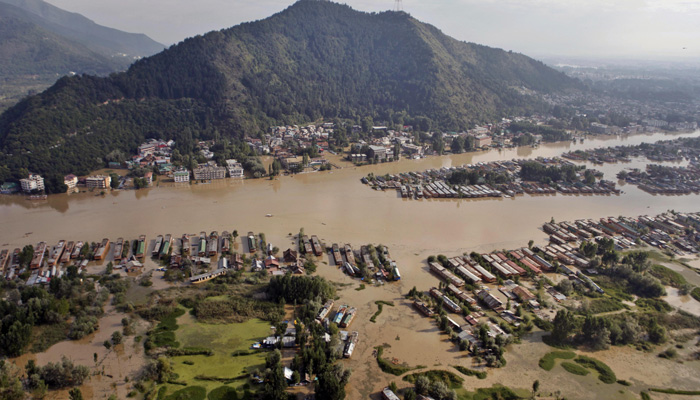 Saffron Tech teams do their bit for the J&K flood victims relief fund-IT Chimes