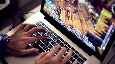 online-gaming-indiustry-trends-480×270